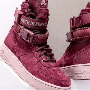 Nike AF1 The Force Is Female Size 8